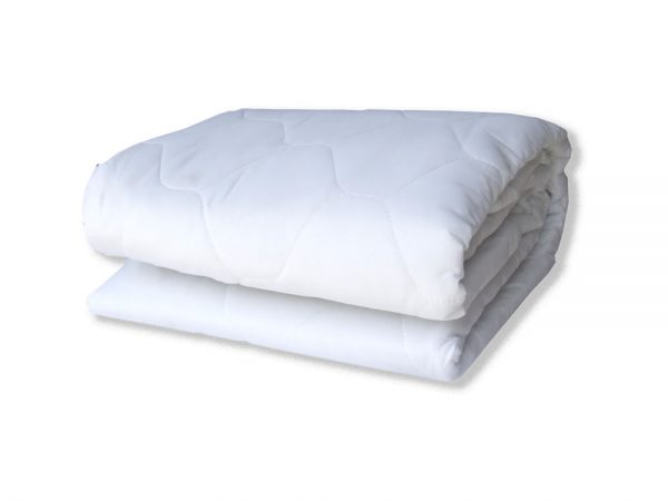 Queen Bed Mattress Protector White Linen And Towels